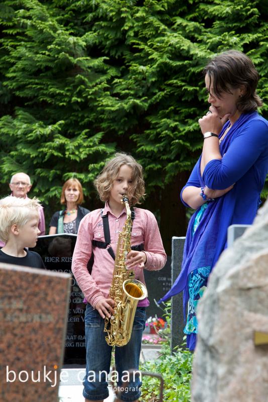 Muziek bij het graf