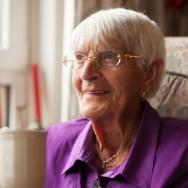 Portret van Sjaantje, 93 jaar oud