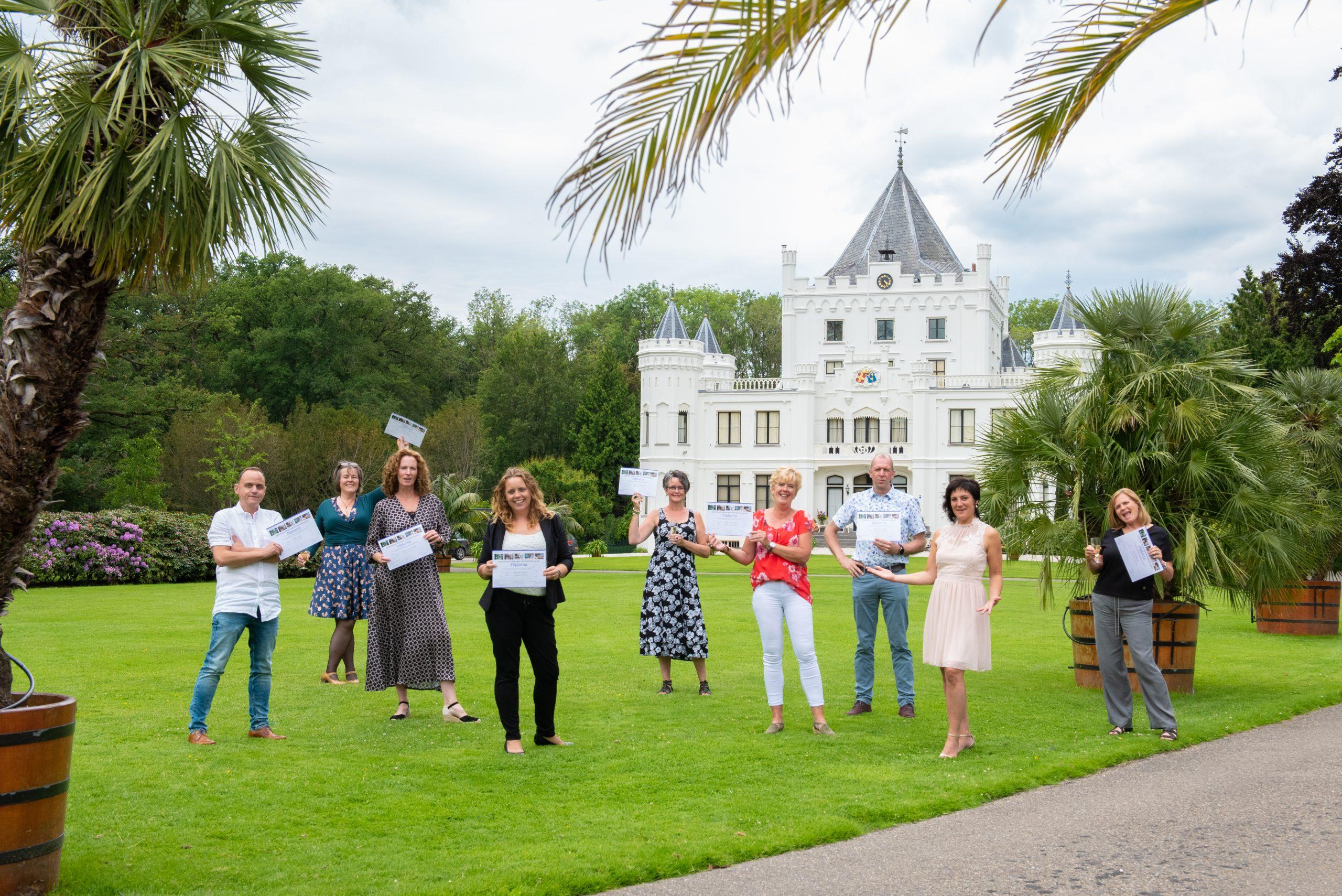 +50 gediplomeerde afscheidsfotografen kent Nederland nu.